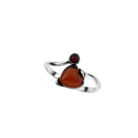 Rhodium plated ring with amber