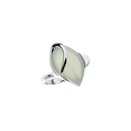 Silver ring with agat