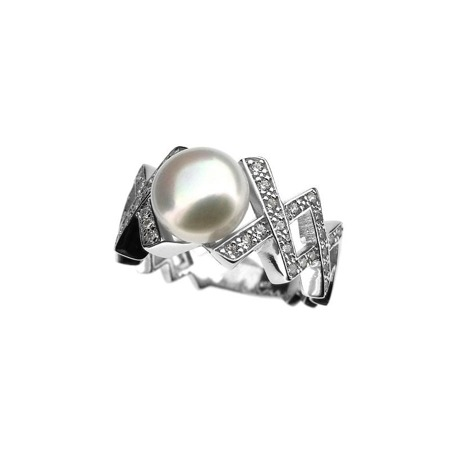 Silver ring with natural pearl and zircons